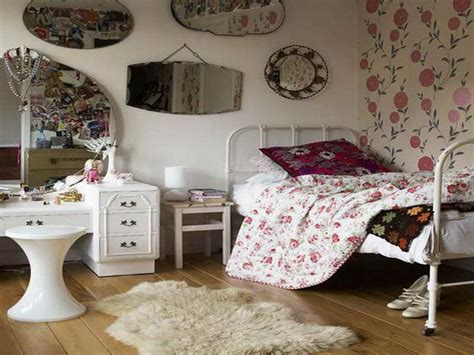Vintage Room Decor Bloombety Vintage Bedroom Decor Ideas With Flower Pattern Vintage Bedroom Decor Ideas