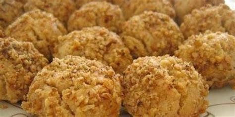 tahinli kurabiye tarifi oktay usta tatl tarifleri cevizli tahinli kurabiye tarifi resimli yemek tarifleri