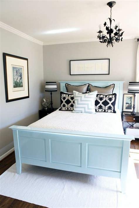 neutrale schlafzimmer die besten 25 k 252 che deko hellblau ideen auf