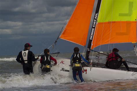 scheveningen catamaran jeugd zeilcursus voorjaar scheveningen catamaran