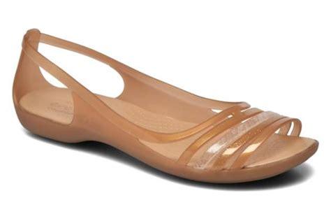 Flat V Marron crocs crocs huarache flat w marron sandales et nu pieds chez sarenza 259347