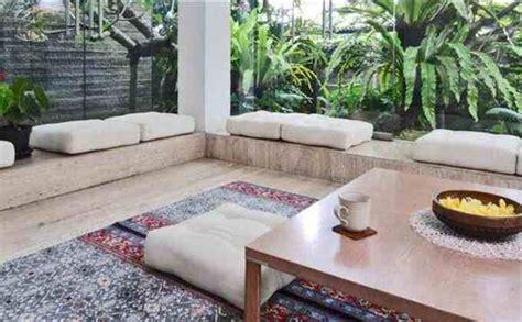 Sofa Yang Sederhana desain ruang tamu lesehan lebih lega dan irit sketsa