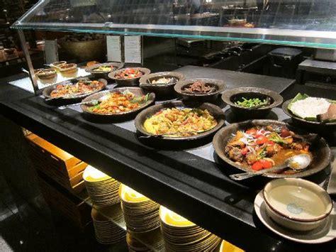 straits kitchen buffet