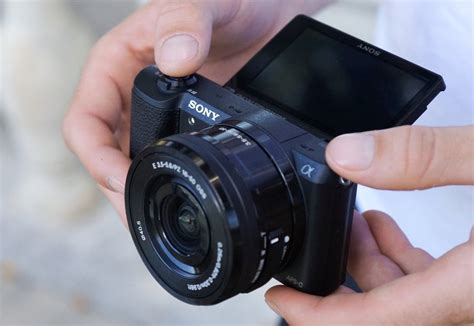 Kamera Mirrorless Sony A5100 6 rekomendasi kamera mirrorless untuk pemula wira nurmansyah