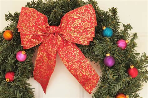 lilyquilt christmas wreath ribbon bow tutorial