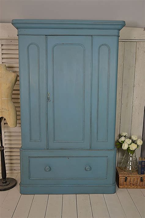 Shabby Chic Wardrobes Uk by 1000 Ideas About Shabby Chic Wardrobe On