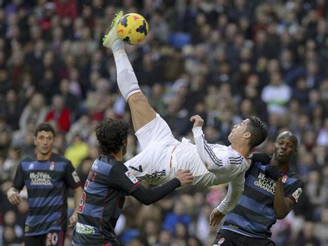 fotos del real madrid trackid sp 006 sport picture of the day cristiano ronaldo flying high