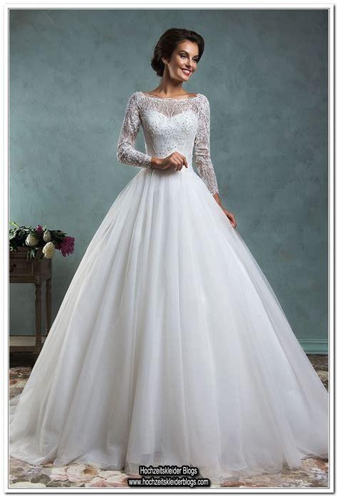 Zum Hochzeitskleid by Hochzeitskleider