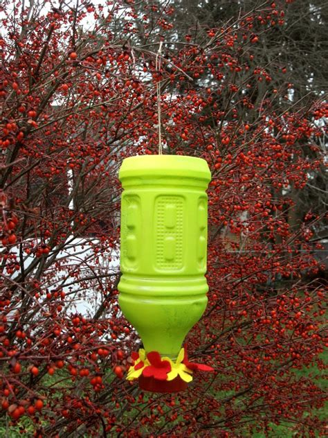 15 homemade hummingbird feeders from recycled material