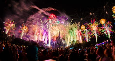 is disneyland open on new years 40 awesometacular fireworks photos disney tourist