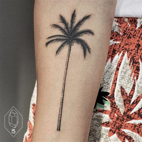 tiny palm tree tattoo palm tree images designs