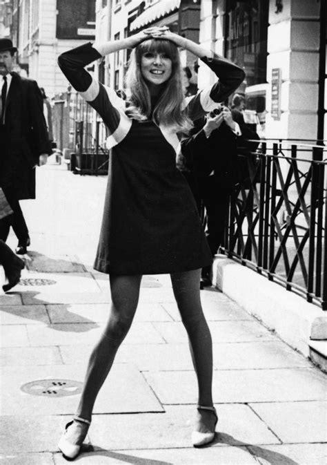 1966 hippies fashion pattie boyd in ossie clark dress 1966 60s fashion