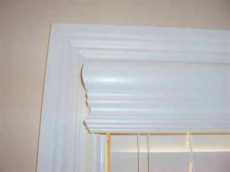 Faux Wood Cornices crown valance with valance returns 2 quot faux wood blind when you want that cornice look