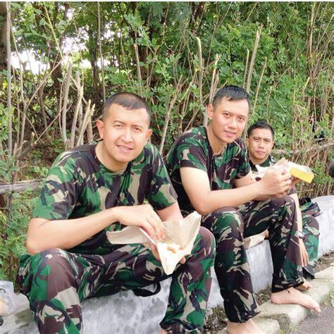 Seragam Anak Tni ragam motif seragam militer tni ad yang dikenakan agus harimurti yudhoyono logo lambang indonesia
