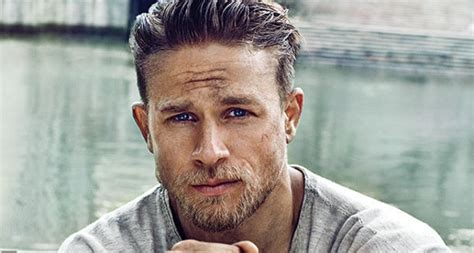 how to get thecharlie hunnam haircut first look at pacific rim s charlie hunnam as king arthur
