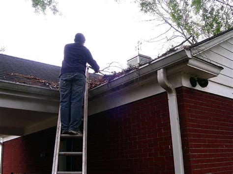 Tools To Clean Gutters best gutter cleaning tools for removing leaves debris
