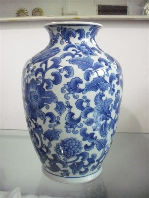 Blue And White Vase blue and white vases bed mattress sale