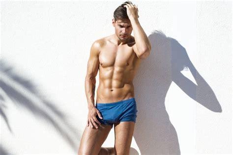 Celana Renang Speedo nyaman berenang dengan 10 model celana renang speedo pria