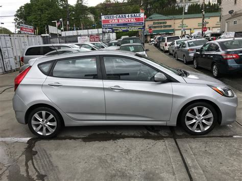 used 2012 hyundai accent for sale used 2012 hyundai accent se hatchback 6 990 00