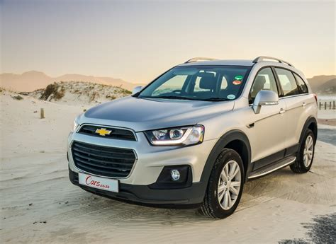 chevrolet captiva  lt  review carscoza