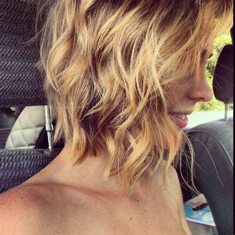 a lined curly bob haircuts curled a line bob hair pinterest shorts nice and