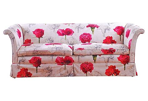 floral settee 1000 ideas about floral sofa on pinterest country