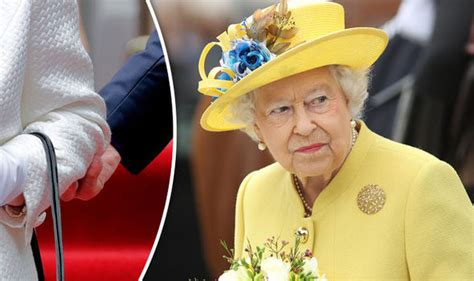 queen elizabeth 2 queen elizabeth ii what you should never do in front of