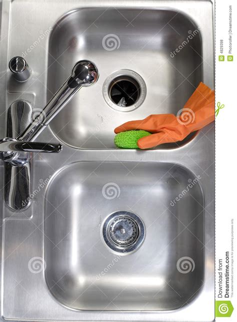 cleaning the kitchen sink cleaning kitchen sink royalty free stock photos image 4829398