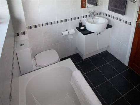 bathroom tile ideas black and white 21 cool black and white bathroom design ideas