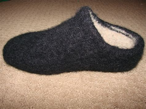 felted slippers pattern felted clog slippers on the bulky cckittenknits