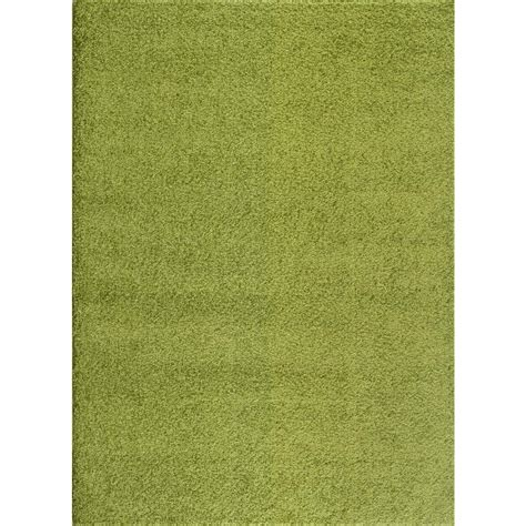 solid green rug world rug gallery soft cozy solid green 5 ft 3 in x 7 ft 3 in indoor shag area rug 2700 grn