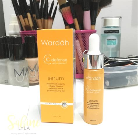 Serum Wardah Whitening and lifestyle wardah c defense with vitamin c