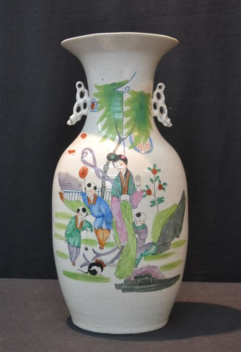 Ching Dynasty Vase by Antique Chinse Ching Dynasty Vase With Family