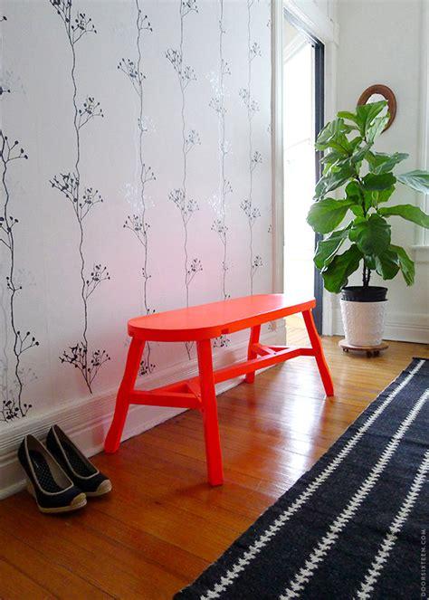 sitzbank flur rot 20 wohntipps f 252 r strahlende farben im interior design