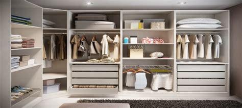 Walk In Closet by Como Usar Closets Pequenos E Modernos Imperdivel