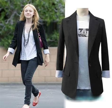 Blazer Merk Executive item yang bisa bikin wanita bergaya tanpa buat dompet sengsara