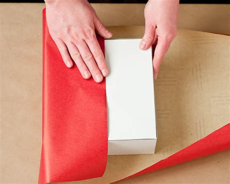 living well 4 secrets to wrapping a present design mom