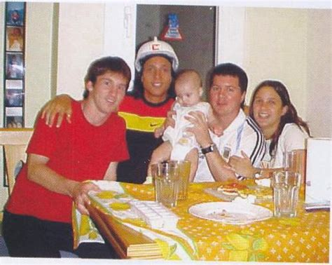 lionel messi family biography lionel messi family in photos all about sports