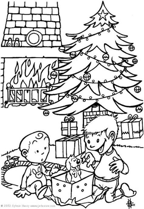 cuentos de navidad para colorear pintar im genes dibujos para colorear los regalos es hellokids com