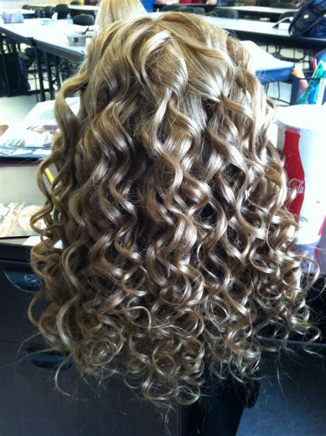 www i want loose curl perm for myhair com such pretty hair i want my hair like this for grad