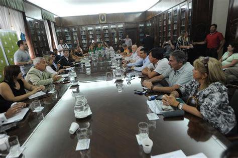 aumento a estatales bonaerenses diciembre 2016 vidal firm 243 con los estatales un acuerdo salarial por 15