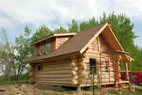 Handmade Log Cabin - handcrafted heim log homes