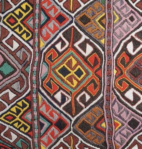 tappeti rugs 16 best tappeti moderni modern rugs images on