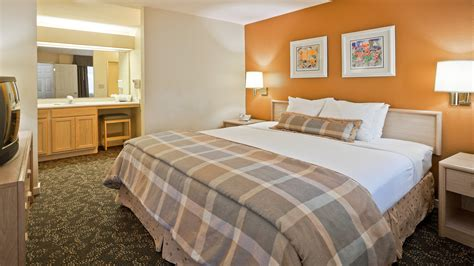 two bedroom suite orlando 2 bedroom suites orlando view our photos and floor plan deluxe king rooms 2 bedroom suites
