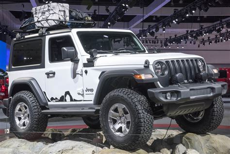 jeep shows  mopar modded wranglers