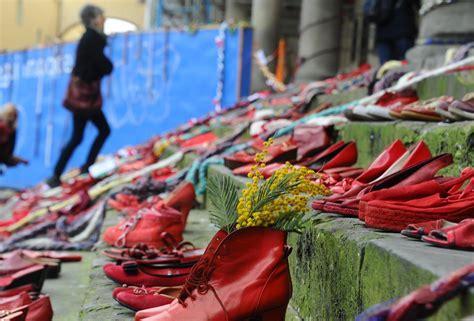 giacrazy no alla violenza sulle donne 8 marzo 8 marzo scarpe rosse contro la violenza sulle donne a