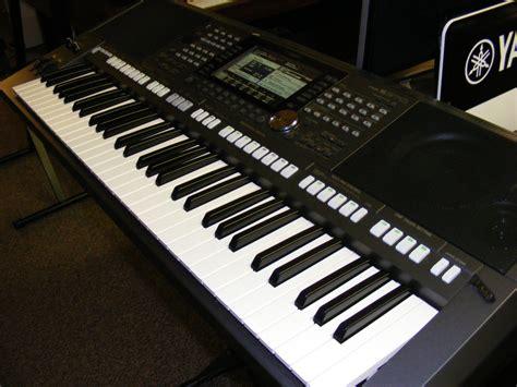 Keyboard Yamaha S975 yamaha psr s975 roger s