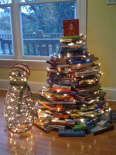 christmas tree books 15 christmas trees out of books home design garden