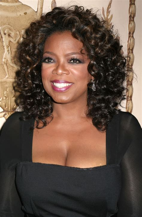 biography of oprah winfrey oprah winfrey biography birthday photos who2 com
