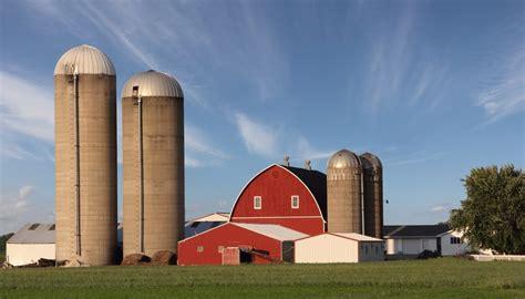 image silo how do grain silos work sciencing